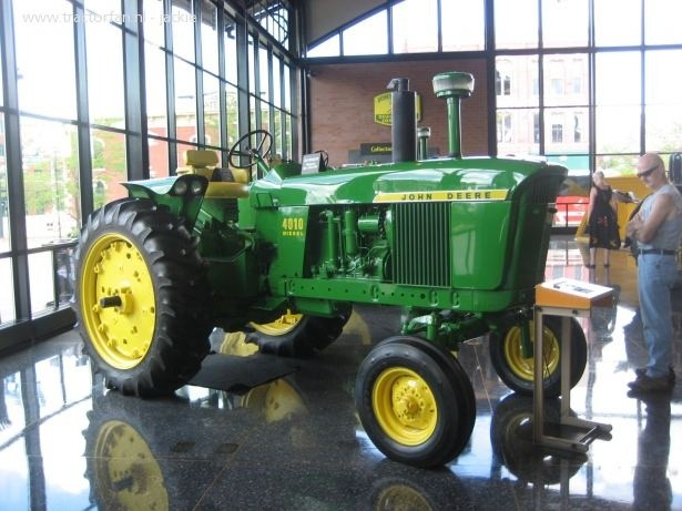 John Deere 4010 Compact Utility Tractor Service Repair Technical Manual[TM1983 OCTOBER 2002]