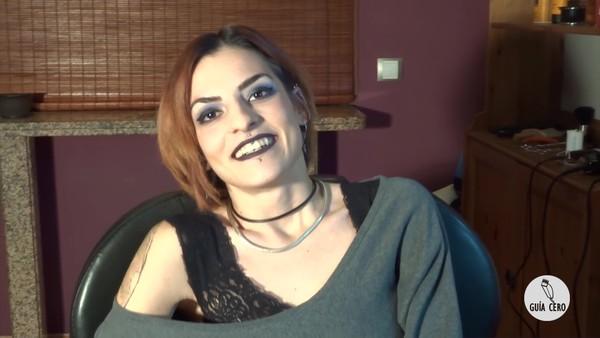 43 Clara: bob, extreme undercut, shaved, massage