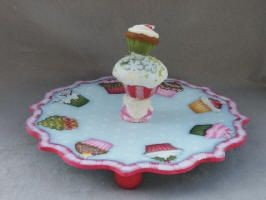 e428 Plate Your Christmas Cupcakes