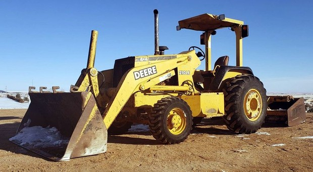 John Deere 210LE Landscape Loader Operation & Test Technical Manual on
