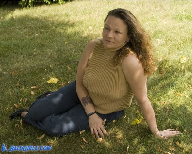 66 Photos of Mature Samantha Playing with her Hair Outdoors