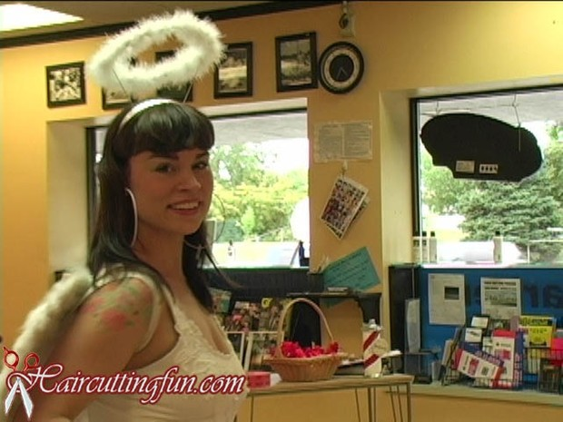 Eve of Eden's Bob Haircut at the Too Hot for Hair Show - VOD Digital Video on Demand