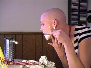 Woman Pistol Vegas shaving her face straight-edge razor - VOD Digital Video on Demand