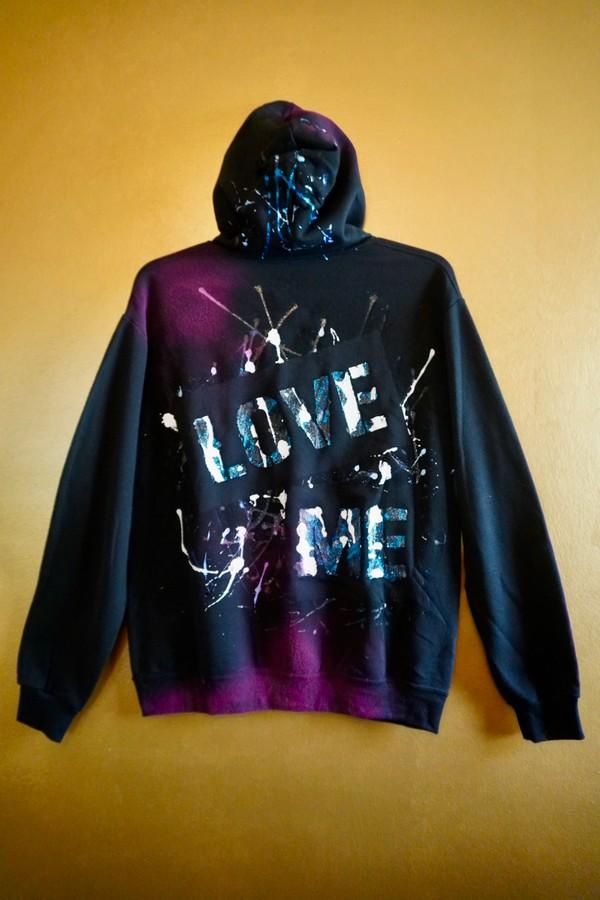 """Custom """"LOVE ME"""" Hoodie - black - M"""