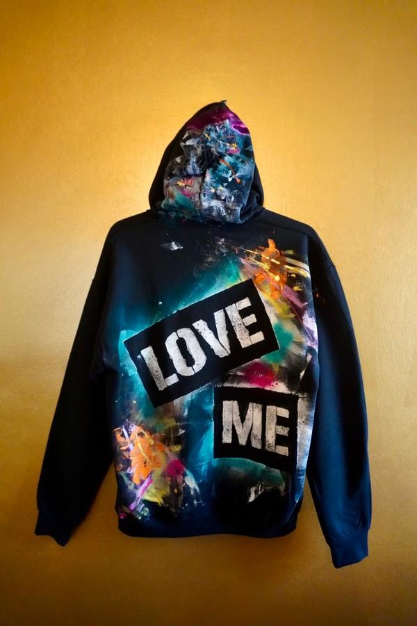 """Custom """"LOVE ME"""" Hoodie -black- L"""