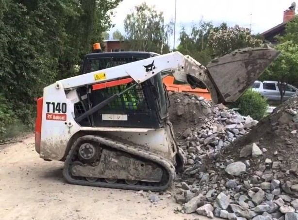 Bobcat T140 Compact Track Loader Service Repair Manual DOWNLOAD (S/N 529311001 & Above,)