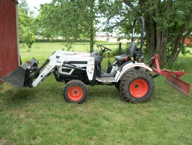 Bobcat CT122 Compact Tractor Service Repair Workshop Manual DOWNLOAD (S/N ABF511001 & Above)