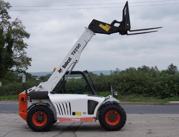 Bobcat T2250 Telescopic Handler Service Repair Manual DOWNLOAD (S/N AC1911001 & Above )