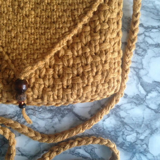 Sand Prints. Envelope purse for the summer. Knitting pattern.