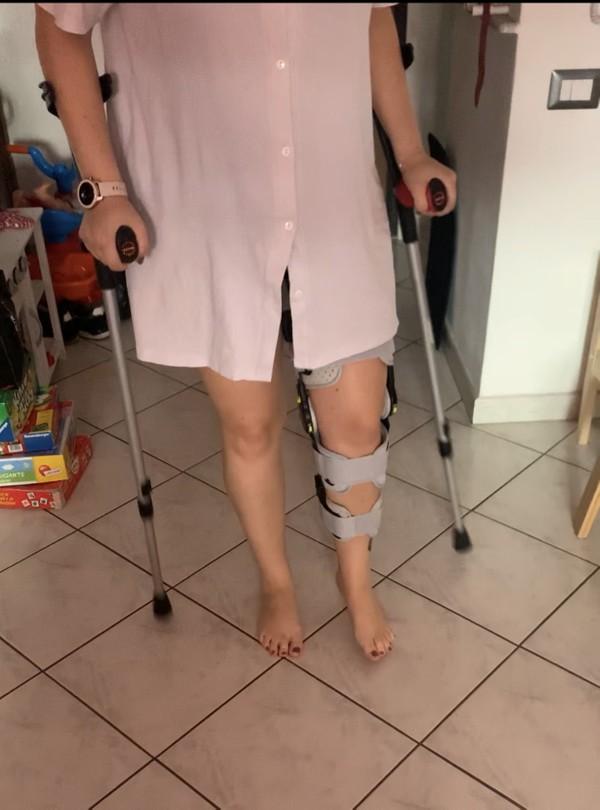 Knee brace trasparence