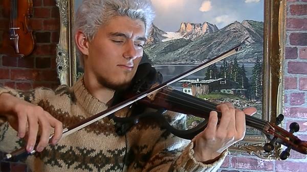 Jingle Bells on Electric Violin by Stepan Grytsay.