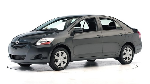 2007 Toyota Yaris (Hatch back and Sedan) OEM Service and Repair Manual