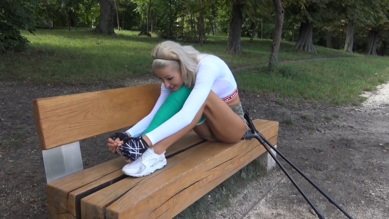 Britney LLC - I love to pose on my crutches - 12 min