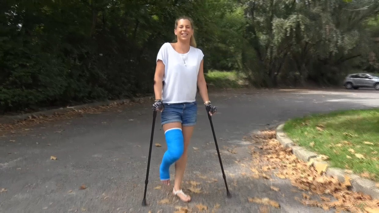 Lizzy LLC - No chance for Lizzy to walk with that bent LLC - 17 min