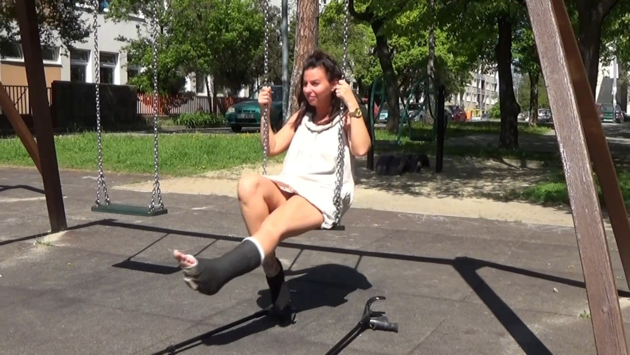 Gaby SLWC - I almost fall of the swing when i try it - 12 min
